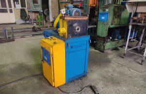 دستگاه استاندارد در کارخانه تولیدی پیچ و مهره